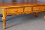 Table basse de style Louis XV
